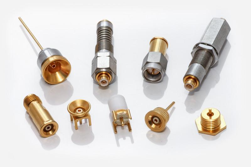 Fabricantes de conectores coaxiales RF para telecomunicaciones profesionales: series UHF, F, BNC, TNC y N