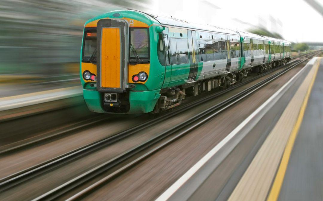 Conectores y contactos que intervienen en el transporte público ferroviario